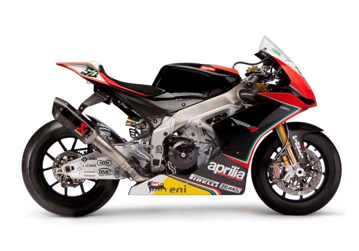 Aprilia-Racing-WSBK-team-RSV4-13