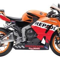 2013 Honda CBR600RR Repsol Edition vs 2013 Yamaha YZF R6