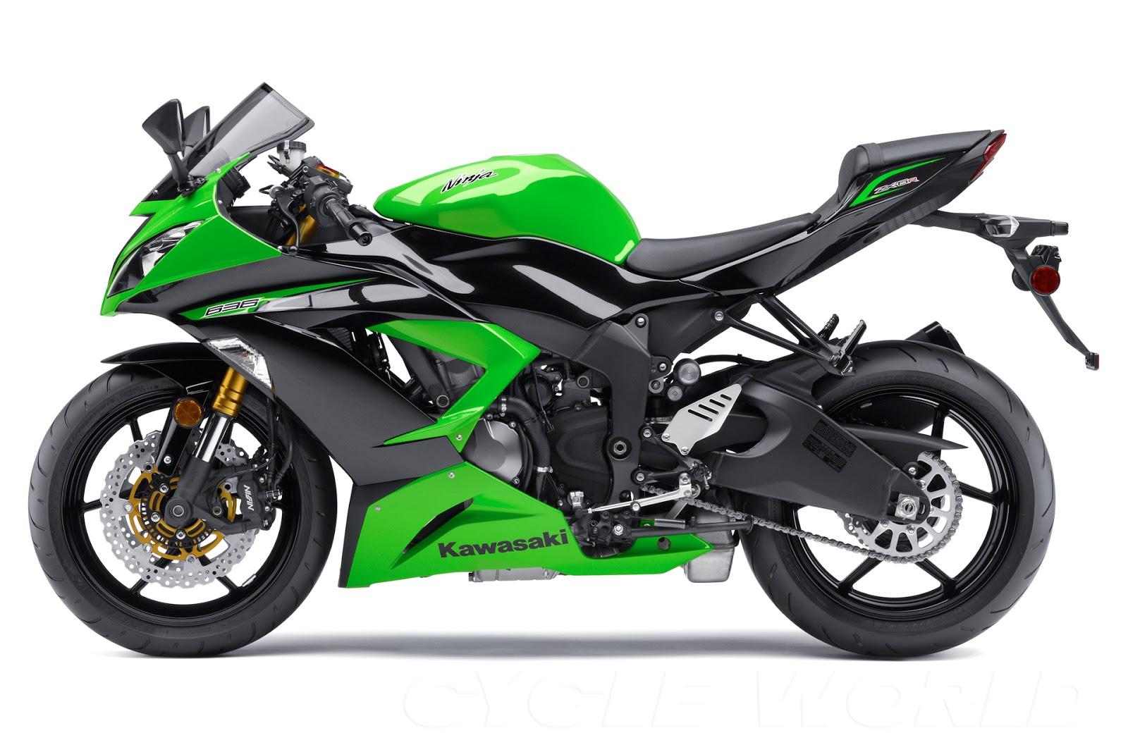 Kawasaki Ninja  Vs Gsxr