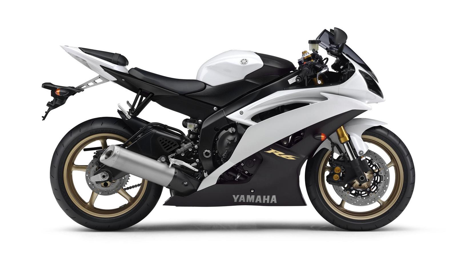 Yamaha R6 Vs Suzuki Gsxr 600 - Motorcycle Wallpaper