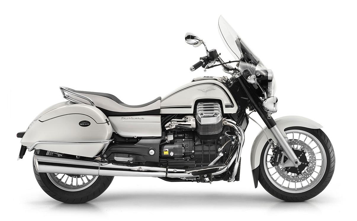 2013 suzuki intruder c1500t vs 2013 moto guzzi california 1400 bikewar. Black Bedroom Furniture Sets. Home Design Ideas