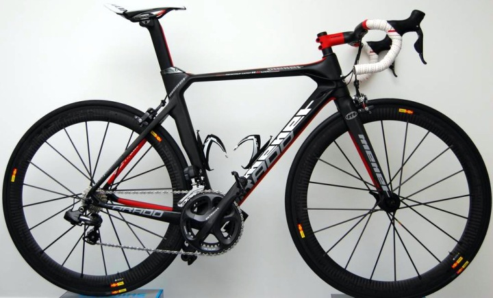 Menet Arado Ultegra Di2 black red 2013