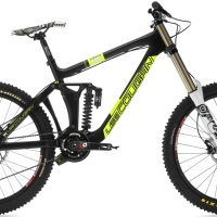Lee Cougan vs Commencal