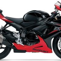 Suzuki GSX-R750 vs Ducati 899 Panigale vs MV Agusta F3 800