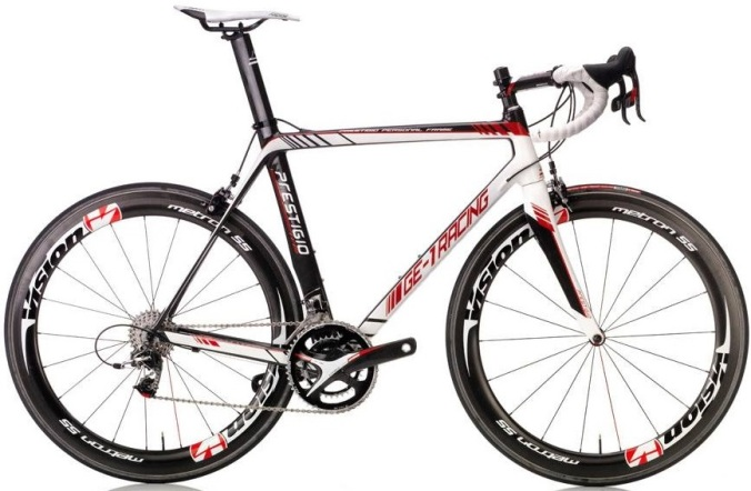 Prestigio-GE-1-black red white 2015