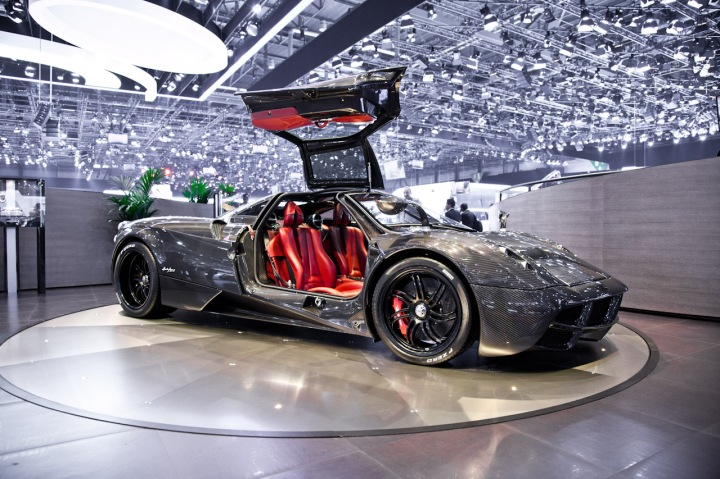 pagani_huayra_clear_carbon_edition-3450
