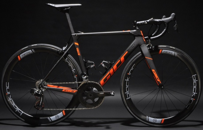 girs_oscar_2017-orange-black-sram-etap